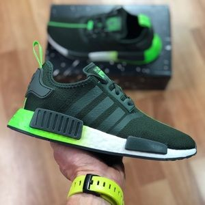 💵 MARCH SALES 💵 Adidas NMD_R1 x Star Wars Yoda